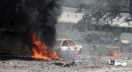 Attaque suicide à Mogadiscio, le 4 octobre 2011. REUTERS/ Omar Faruk