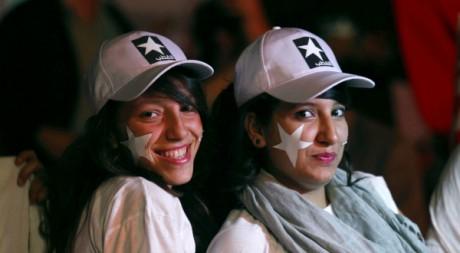 Deux jeunes filles au meeting du parti démocrate moderniste Reuters/Zoubeir Souissi