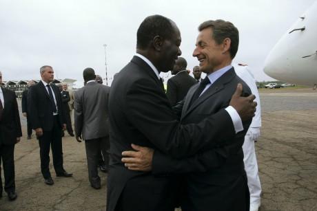 Alassane Ouattara et Nicolas Sarkozy à Yamoussoukro, le 25 juin 2011. REUTERS