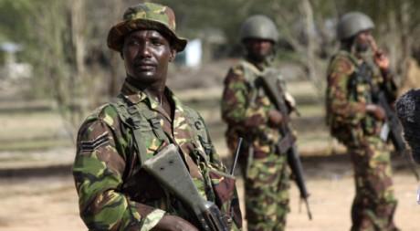 Troupes kényanes à la frontière avec la Somalie, le 18 octobre 2011. REUTERS.