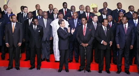 Les principaux chefs d'Etat africains lors du 25e sommet Afrique/France, le 31 mai 2010 à Nice. REUTERS/POOL New