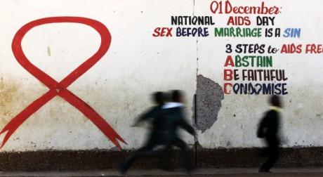 Campagne contre le Sida à Johannesburg, le 22 août 2011. REUTERS/Siphiwe Sibeko.