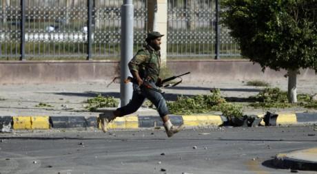 Combat à Syrte le 12 octobre 2011. Reuters/Saad Shalash