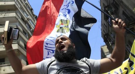 Un manifestant salafiste au Caire le 29 juillet 2011. Reuters/Amr Dalsh