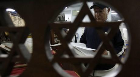 Dans une synagogue de Tunis, 26 octobre 2011. REUTERS/Zoubeir Souissi