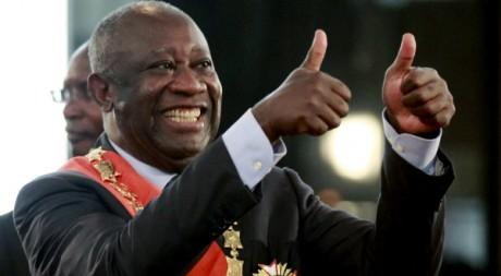 Gbagbo investi président, 4 décembre 2012, en dépit du rejet de cette élection par l'ONU. REUTERS/Thierry Gouegnon.