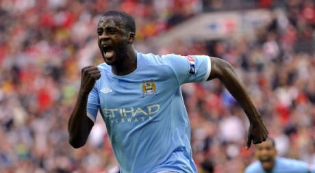 Yaya Tour clbre son but qui offre la victoire  Manchester City en finale de FA Cup. REUTERS/Toby Melville