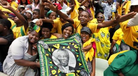Des partisans de l'ANC célèbrent l'anniversaire de leur parti. REUTERS/SIPHIWE SIBEKO