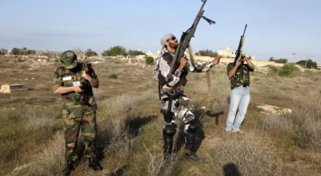 Des combattants libyens à Tripoli le 3 décembre 2011. REUTERS/Ismail Zetouni