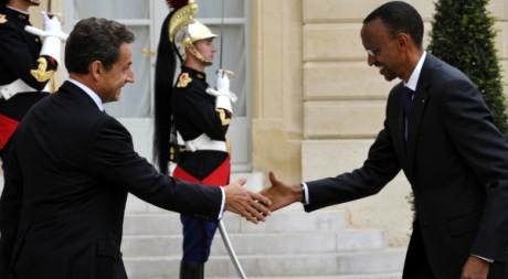Nicolas Sarkozy à Kigali, le 25 février 2010 au mémorial du génocide rwandais. REUTERS/Philippe Wojazer