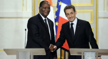Nicolas Sarkozy et Alassane Ouattara, au palais de l'Elysée, le 26 janvier 2012. REUTERS/POOL New