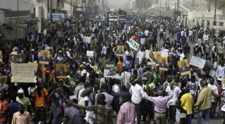 Grande manifestation de l'opposition sénégalaise, 7 février 2012, Dakar. REUTERS/Stringer