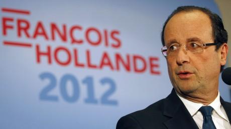 François Hollande lors d'une conférence de presse à Dijon, le 6 février 2012. REUTERS/Regis Duvignau