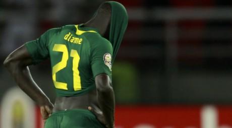Mohamed Diame de l'équipe du Sénégal, après la défaite contre la Libye, le 29 janvier 2012. REUTERS/Amr Dalsh