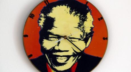 Une horloge Nelson Mandela à Varsovie. REUTERS/Peter Andrews