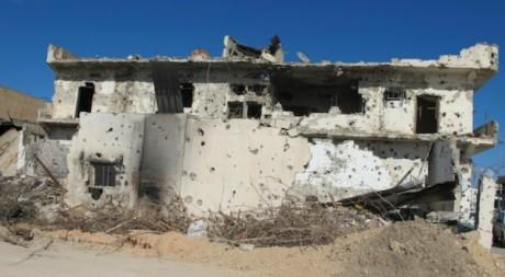 Maison criblée de balles à Misrata.  Damien Spleeters