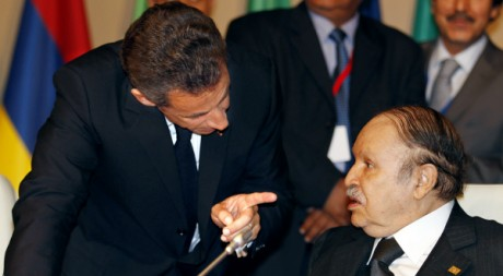 Les présidents français Sarkozy et algérien Bouteflika, Nice, 31 mai 2010. REUTERS/Eric Gaillard REUTERS/Eric Gaillard