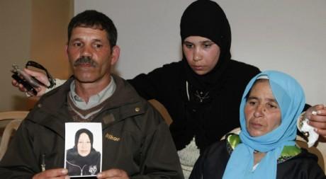 La famille d'Amina El Filali lors d'une conférence de presse, Rabat, mars 2012. © Stringer/Reuters