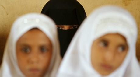 Etudiantes yéménites dans le village d'al-Zailaea le 11 mars 2012.  Reuters/Khaled Abdullah Ali Al Mahdi