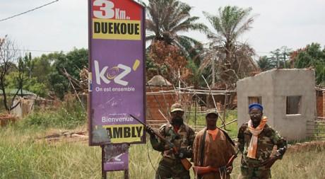 Soldats d'Alassane Ouattara à l'entrée de la ville de Duékoué, avril 2011AFP PHOTO / ZOOM DOSSO