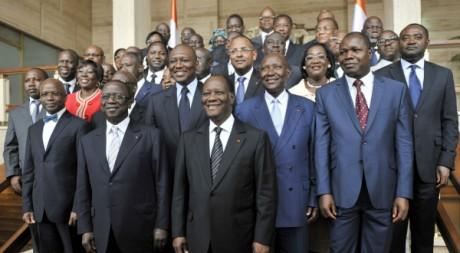 La photo de famille du nouveau gouvernement ivoirien, Abidjan, le14 mars 2012AFP PHOTO/ SIA KAMBOU