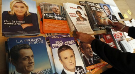 Des professions de foi des candidats à l'Elysee, avril 2012. ©REUTERS/Jean-Paul Pelissier