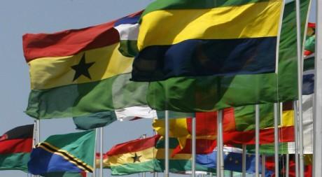 Drapeau des nations africaines au sommet de l'Union africaine à Accra, 2 juillet 2007 REUTERS/Luc Gnago