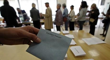 Un bureau de vote de Nice, le 22 avril 2012. ©  REUTERS/Eric Gaillard