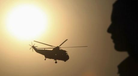 Un hélicoptère de l'armée  égyptienne, Le Caire, 6 octobre 2011. REUTERS/Amr Dalsh