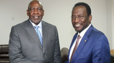 Le président intérimaire, Dioncounda Traoré et le premier ministre Cheick Modibo Diarra, Bamako, 18 avril 2012 AFP/H. Kouyate