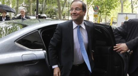 François Hollande le 9 mai 2012 à Paris. REUTERS/Gonzalo Fuentes