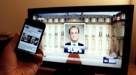 Image du résultat de l'élection présidentielle française le 6 mai 2012. Reuters/Sebastien Pirlet