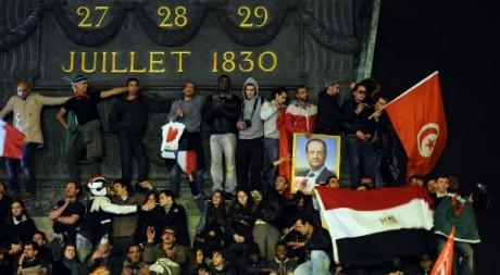 La Bastille et ses drapeaux après la victoire de François Hollande le 6 mai 2012. AFP/FRANCK FIFE