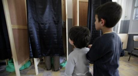 Bureau de vote de Boumerdes lors des élections législatives le 10 mai 2012. Reuters/Stringer