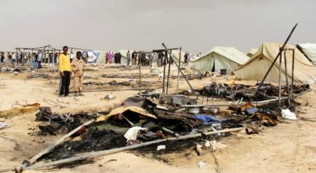 Le camp de réfugiés de Choucha, à la frontière libyenne, après un incendie, le 22 mai 2011