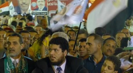 Des militants des Frères musulmans pendant le meeting de Mohammed Morsi, dimanche 20 mai au Caire. Nadéra Bouazza©