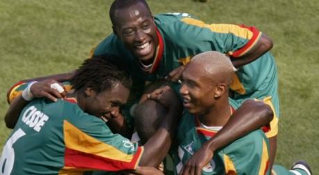 Les joueurs sénégalais à la fête durant la Coupe du monde 2002. REUTERS/Jason Reed