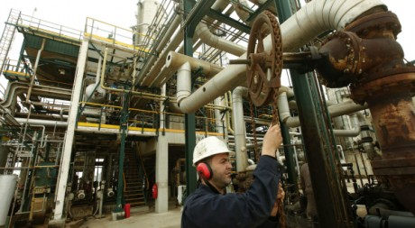 La Libye, pays riche en pétrole, n'a besoin d'aucune assistance financière. REUTERS/Ismail Zetouni