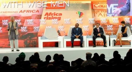 Discours du Prix Nobel de la Paix Muhammad Yunus lors du New York Forum de Libreville, 8 juin 2012. AFP PHOTO/WILFRIED MBINAH