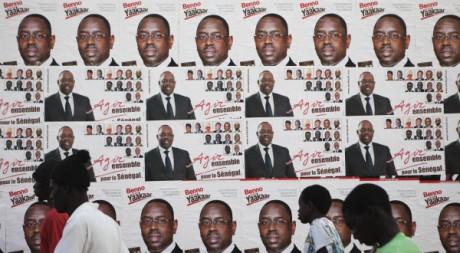 Affiche électorale de la coalition qui a permis l'élection de Macky Sall à la présidence, 23 mars 2012, REUTERS/F. O'Reilly