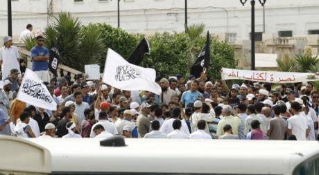 Manifestation le 8 juin à Tunis contre Jalel Brick. REUTERS/Zoubeir Souissi