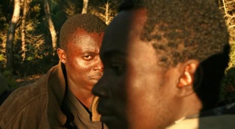 Migrants africains tentant d'entrer à Mellila depuis le Maroc, 19 sept. 2005, REUTERS/Rafael Marchante