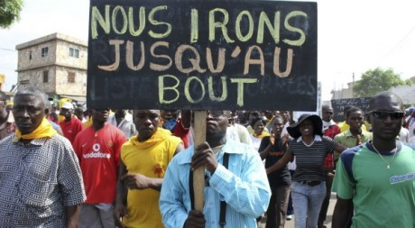 Manifestations dans une rue de Lomé, mars 2012 © Reuters/ Springer