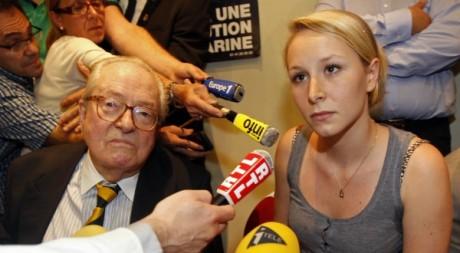 Marion Le Pen en compagnie de Jean-Marie Le Pen, Cavaillon, mai 2011.© Jean-Paul Pelissier/ Reuters