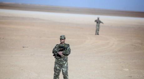Soldats de l'armée algérienne à Krechba, dans le sud du pays, 14 Dec 2008, Zohra Bensemra / Reuters