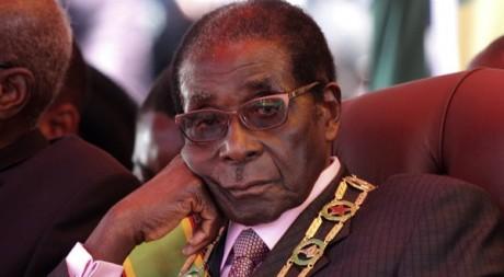 Robert Mugabe lors du 32e anniversaire de l'indépendance du Zimbabwe, avril 2012 © REUTERS/Stringer