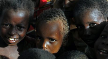 Enfants somaliens dans un camp de Mogadiscio, juin 2012. © REUTERS/Goran Tomasevic