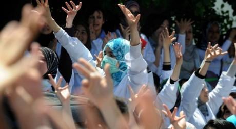 Manifestation d'étudiants à Alger le 5 mai 2011. AFP/FAROUK BATICHE