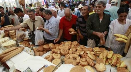 Scène de marché en Tunisie, le 20 juillet 2012. Zoubeir Souissi / Reuters