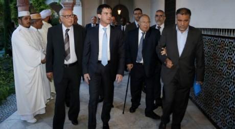 Manuel Valls, à la Grande mosquée de Paris, le 21 juillet 2012. FRANCOIS GUILLOT/ AFP